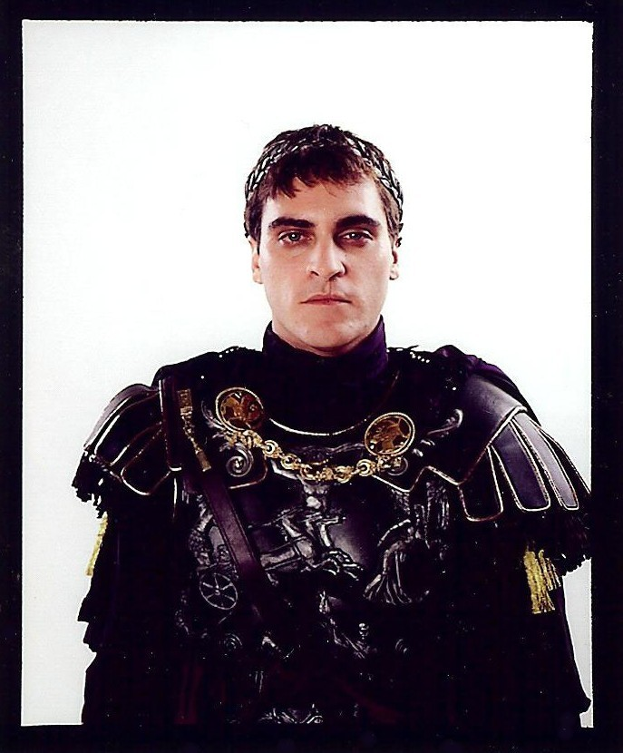 Commodus Costume Gallery | Costume Photos